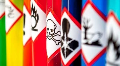 Gas mortal encontrado en refrigerante ilegal.